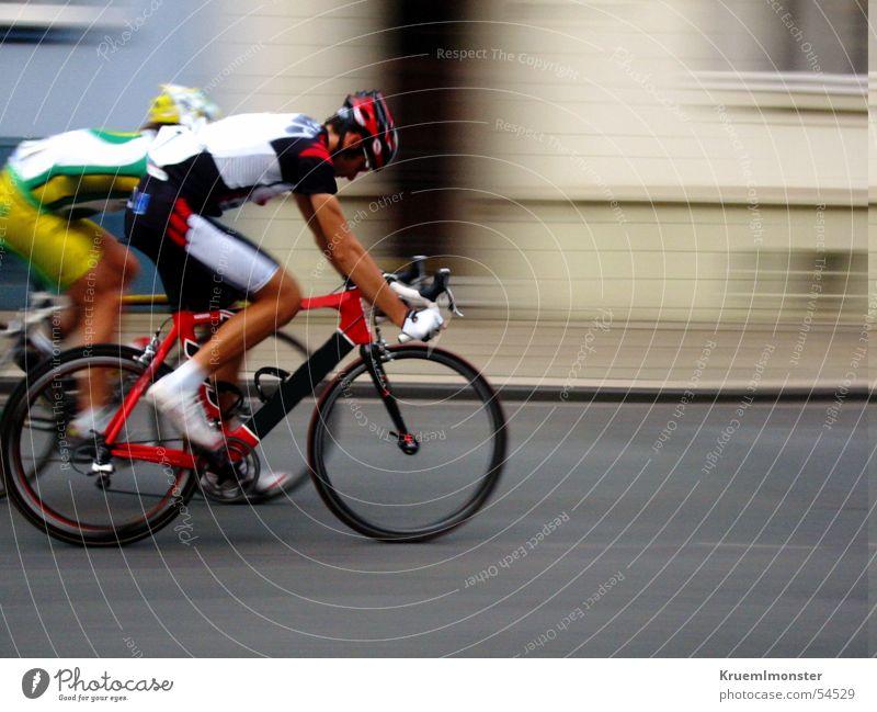 Radrennen_1 Stadt Essen Fahrrad abwärts kämpfen Sport Zweikampf Rücup Essen-Rüttenscheid Paulinenstraße