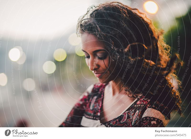 ° schön Haare & Frisuren Sommer feminin Junge Frau Jugendliche Leben 1 Mensch 18-30 Jahre Erwachsene Rio de Janeiro Südamerika Brasilianer Kleid brünett