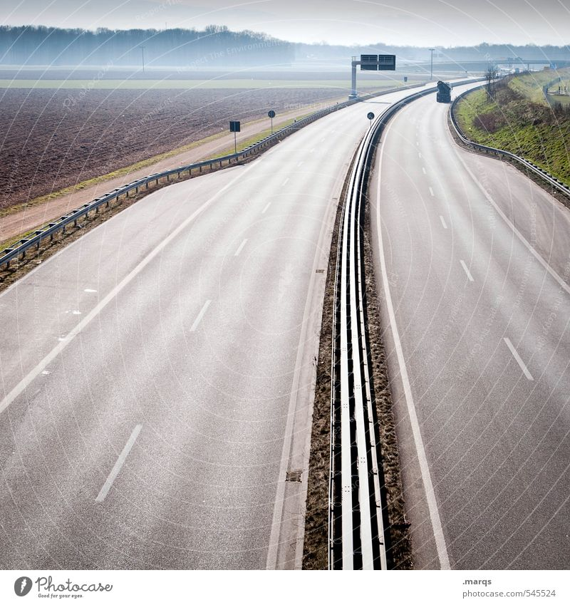 28 Days Later Ferien & Urlaub & Reisen Ausflug Ferne Landschaft Verkehr Verkehrswege Straße Wege & Pfade Autobahn fahren einfach schön Ordnung Perspektive Ziel
