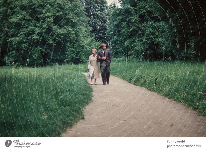 Halt Mensch Frau Mann alt Erwachsene Leben feminin Senior Familie & Verwandtschaft Zusammensein maskulin laufen 60 und älter 45-60 Jahre Spaziergang berühren