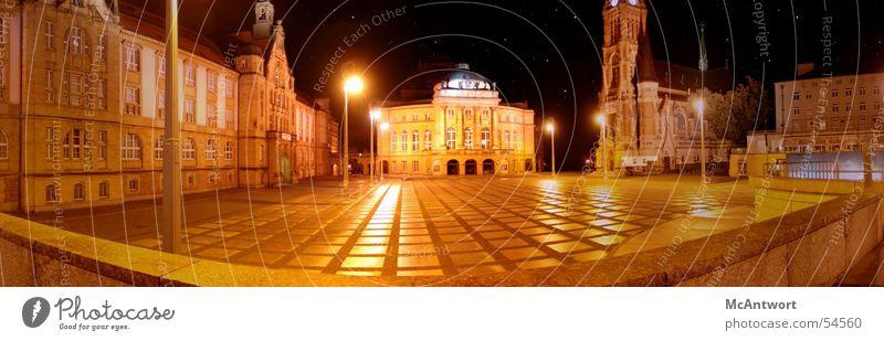 Nachtsicht mit Weitblick Regen groß Platz Panorama (Bildformat) Oper Natur Montage