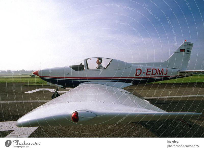 Ready for take-off? Flugzeug Sportflugzeug Flugplatz fliegen
