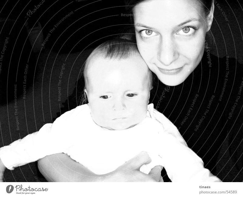 getantet Frau Kind Mädchen Gesicht Auge feminin Mund Baby Nase Kleinkind Umarmen Kuscheln