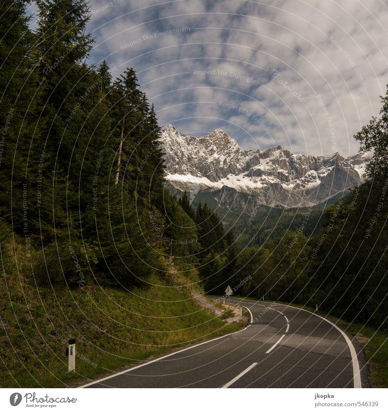 to the mountains Natur Landschaft Wolken Herbst Schönes Wetter Schnee Baum Tanne Wald Berge u. Gebirge Gipfel Schneebedeckte Gipfel Straße Landstraße fahren