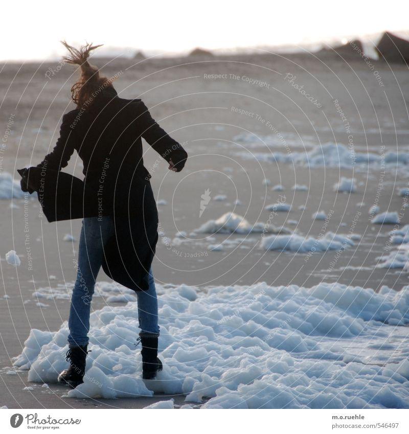 foam born Mensch Natur Jugendliche Ferien & Urlaub & Reisen Meer Junge Frau Landschaft Freude Strand Ferne 18-30 Jahre Erwachsene Umwelt Leben feminin Küste