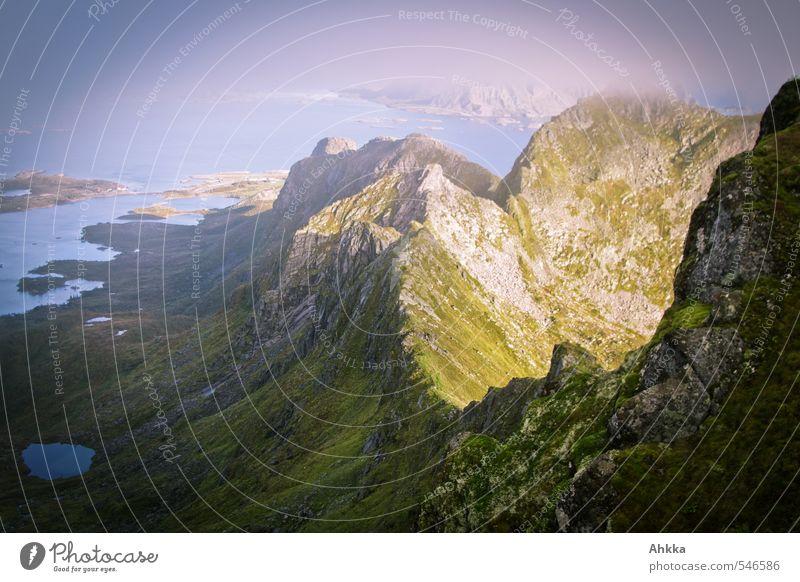 Gratwanderung III Ferien & Urlaub & Reisen Meer Landschaft Ferne Berge u. Gebirge Küste Freiheit Denken Horizont Stimmung Klima wandern ästhetisch Ausflug