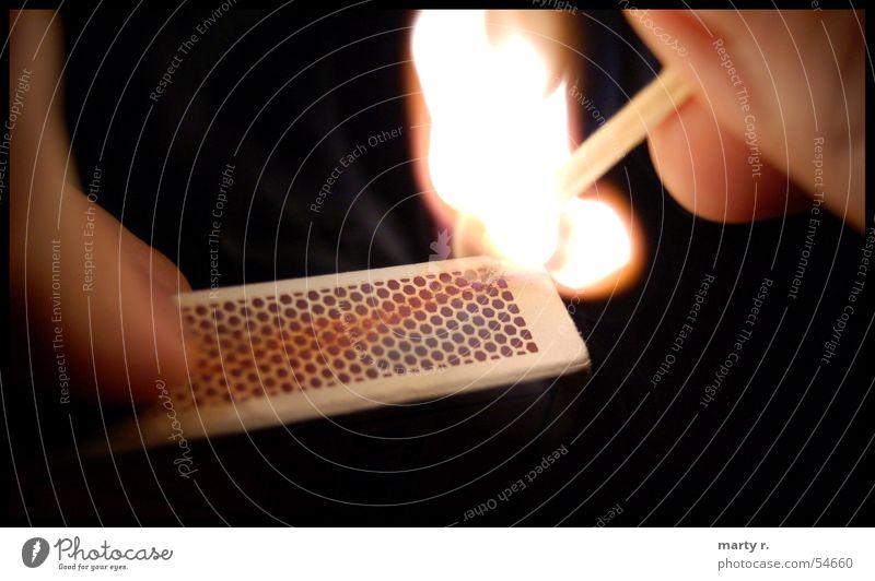 Inflammable dunkel Holz hell Brand Papier Streichholz zünden Reibung