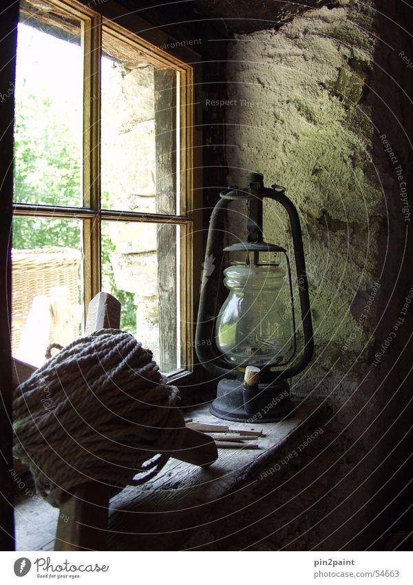Fensterkreuz Nostalgie Stillleben Licht