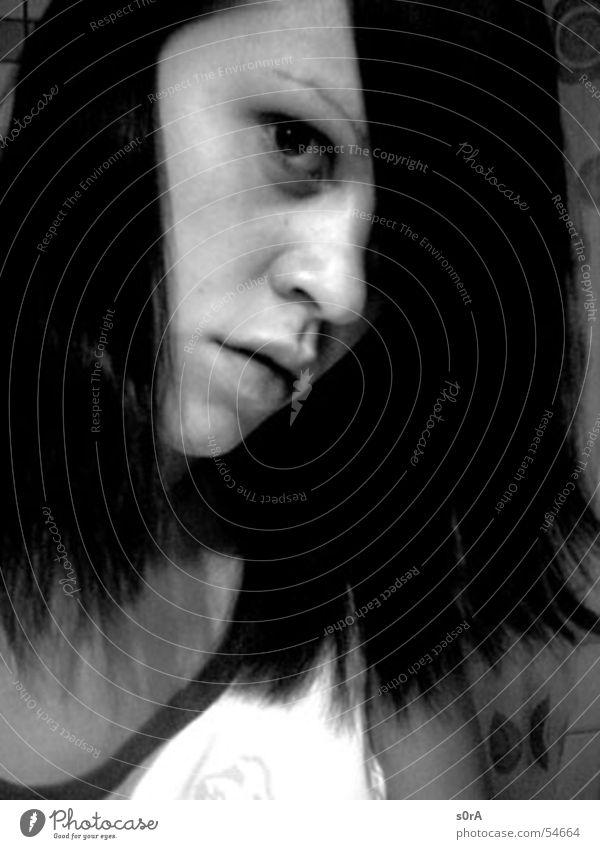 eyes wide open Frau weiß schwarz Gesicht Auge Haare & Frisuren Nase Bad Konzentration Dame Seite
