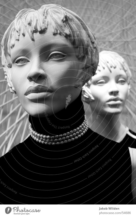 Puppen I Gesicht feminin ausdruckslos anonym bewegungslos