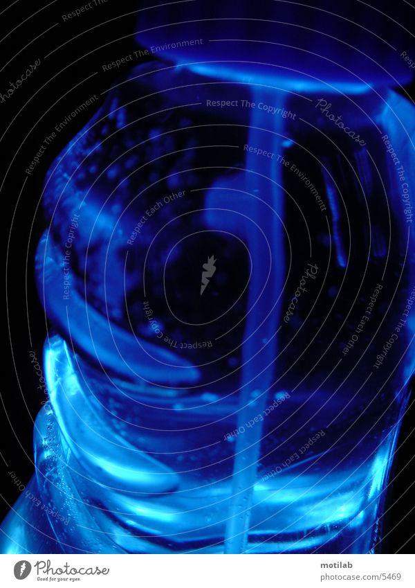B B B blau Flüssigkeit Blase Flasche Fototechnik