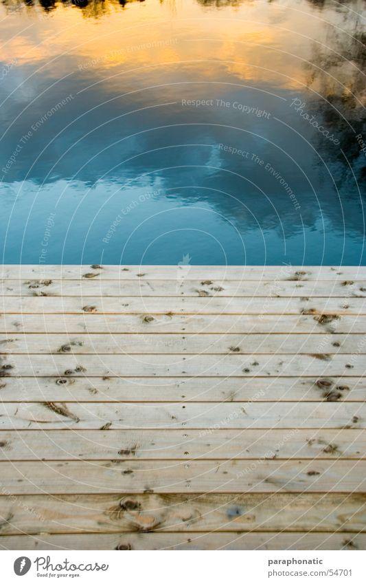 HerbstSteg ruhig See Meer Erholungsgebiet Reflexion & Spiegelung Wolken Holz Nagel Holzbrett Winter Außenaufnahme Brücke Wasser Deutschland Himmel Farbe Balken