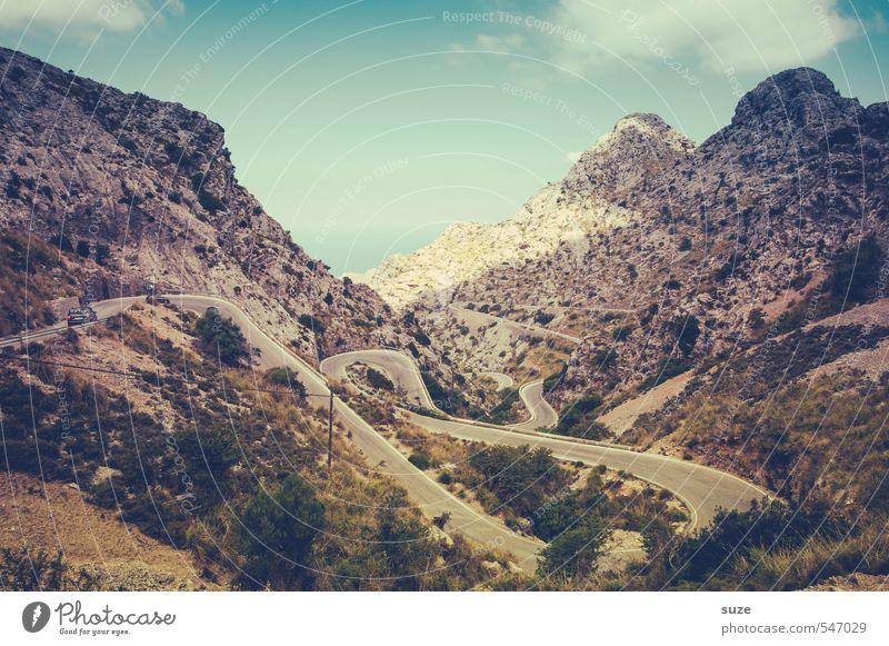 Fahrt ins Blaue mit Rosa durchs Grüne Ferien & Urlaub & Reisen Sommer Meer Berge u. Gebirge Natur Landschaft Küste Verkehr Straße fantastisch historisch retro