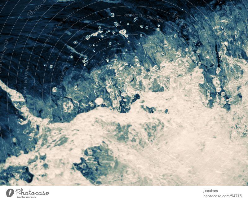 zeitstau Natur Wasser weiß Meer blau Bewegung Wellen frisch gefroren Dynamik spritzen Kurzzeitbelichtung