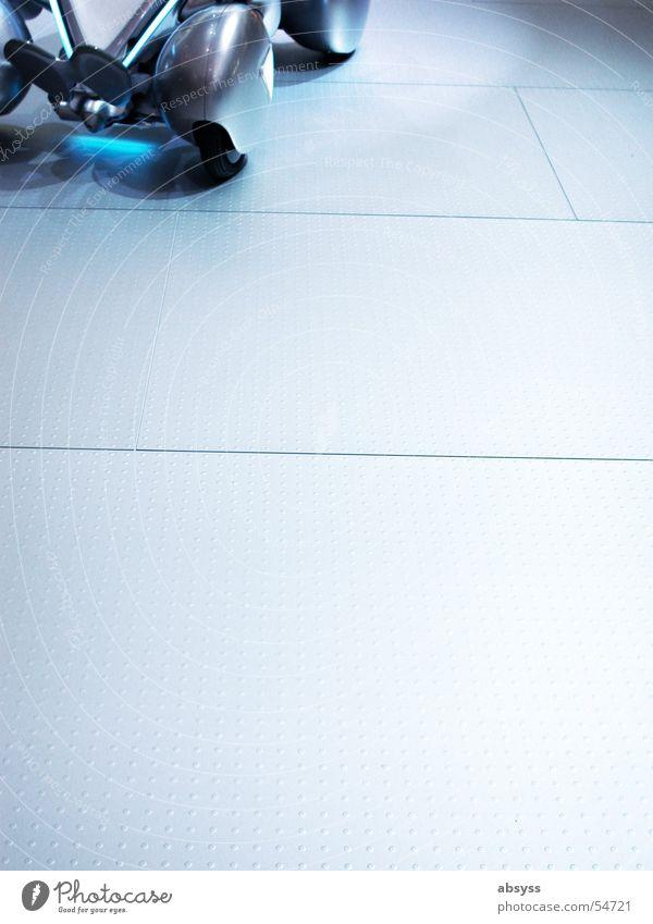 technischer Freiraum oder Spielraum ? blau grau Metall modern Technik & Technologie Bodenbelag 4 Spielzeug Rad Mobilität Frankfurt am Main Ausstellung Fairness