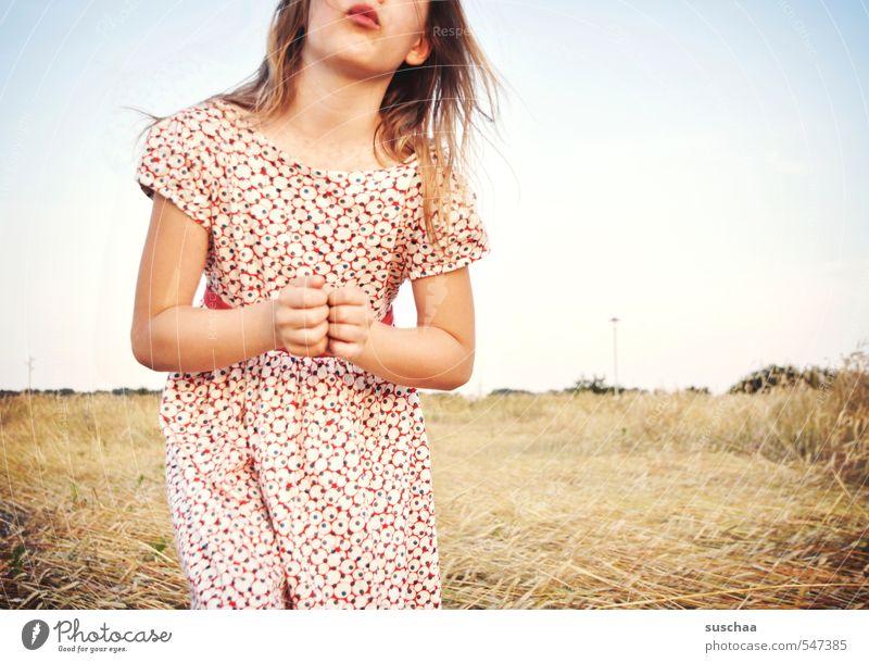 küsschen für alle, die heute noch kein küsschen bekommen haben Mensch Kind Himmel Natur Jugendliche Sommer Baum Hand Junge Frau Mädchen Gesicht Umwelt Leben Liebe feminin Haare & Frisuren