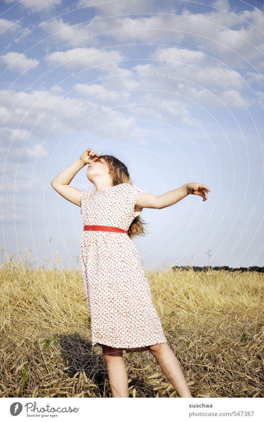 theatralische gemütsbekundung feminin Kind Mädchen Junge Frau Jugendliche Kindheit Kindererziehung Erziehungshilfe 8-13 Jahre Umwelt Natur Landschaft Sommer
