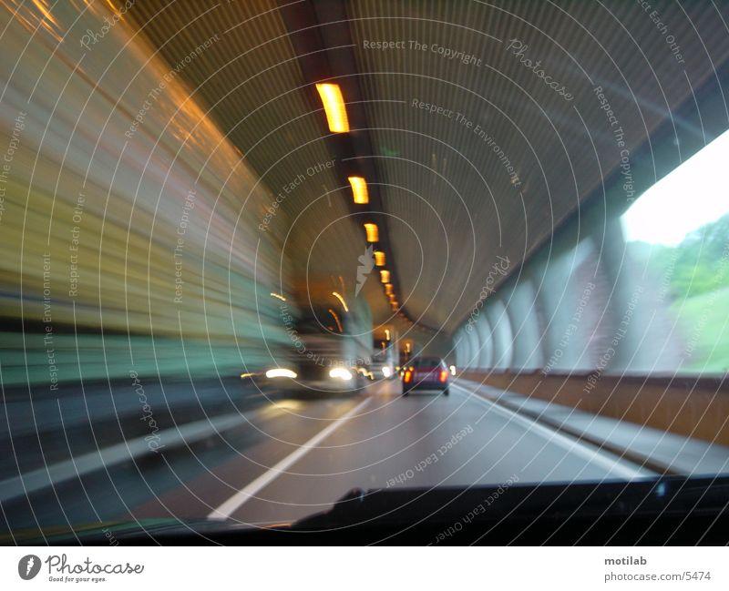 vorbei in den Tunnel Bewegung Geschwindigkeit vergangen