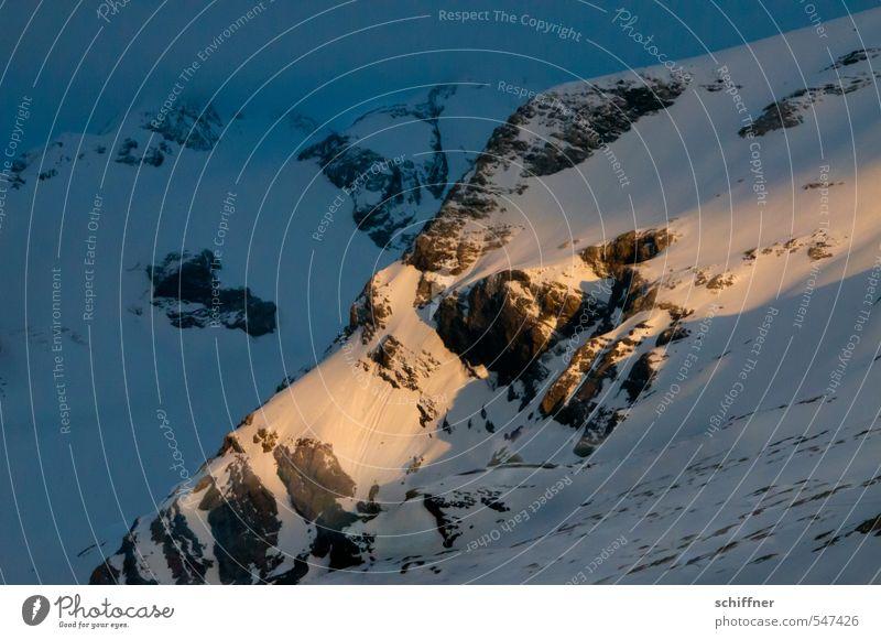 Noch ein Lichtblick Umwelt Natur Landschaft Sonnenaufgang Sonnenuntergang Sonnenlicht Eis Frost Schnee Felsen Alpen Berge u. Gebirge Gipfel