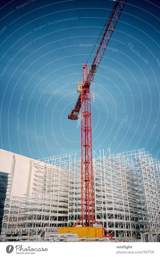 baustelle Baustelle Kran Gebäude Industriefotografie Stadt Sommer Himmel bauen Baugerüst Lagerhalle crane build building Sonne sky sun