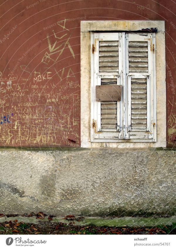 Zu vermieten alt Haus Wand geschlossen