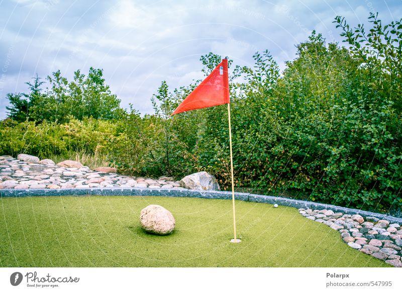 Minigolf Lifestyle Freude Erholung Freizeit & Hobby Spielen Ferien & Urlaub & Reisen Sommer Garten Entertainment Club Disco Sport Erfolg Golf Gras Park Fahne