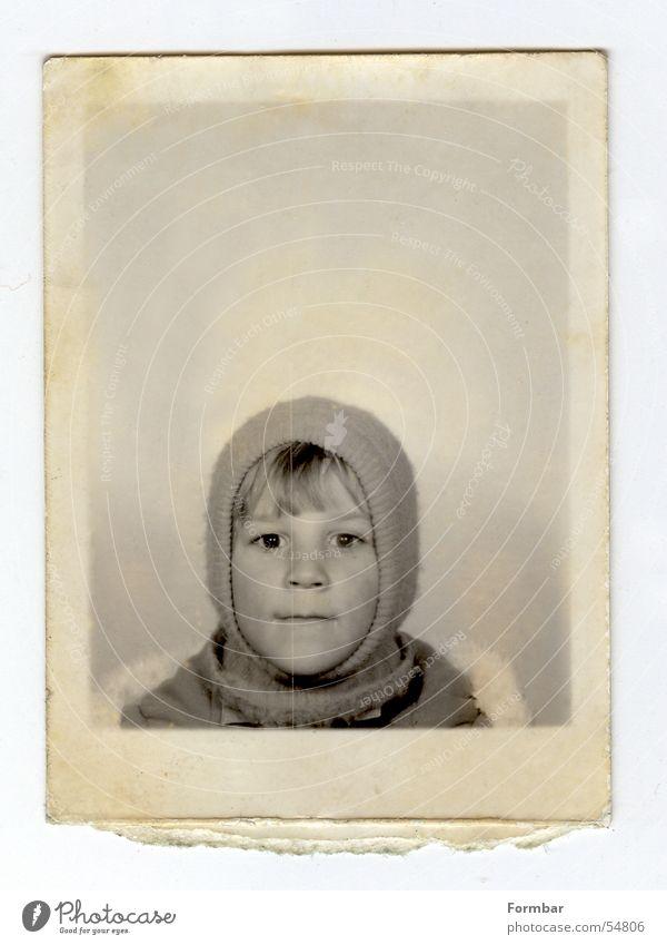 mich klein Kind alt Ferien & Urlaub & Reisen schwarz Gesicht Auge Junge klein Freizeit & Hobby Nase Papier Fell Kleinkind Mütze Skifahrer Kopfbedeckung