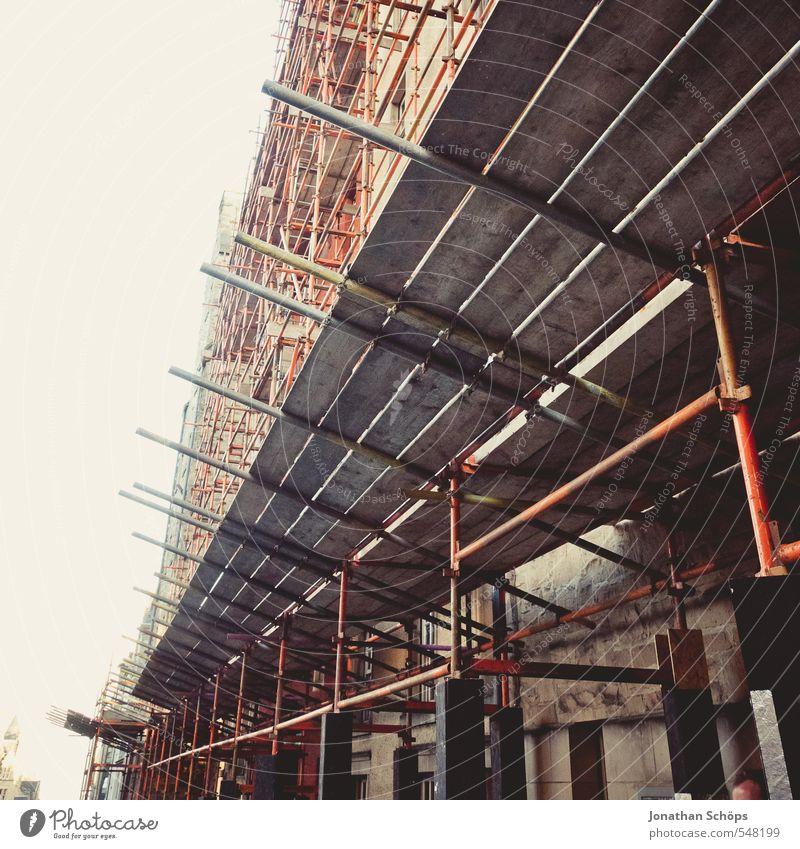 Aufrüstung Edinburgh Großbritannien Stadt Hauptstadt Stadtzentrum Fußgängerzone Haus Bauwerk Gebäude Architektur hoch Baugerüst Gerüstbauer Baustelle Sanieren