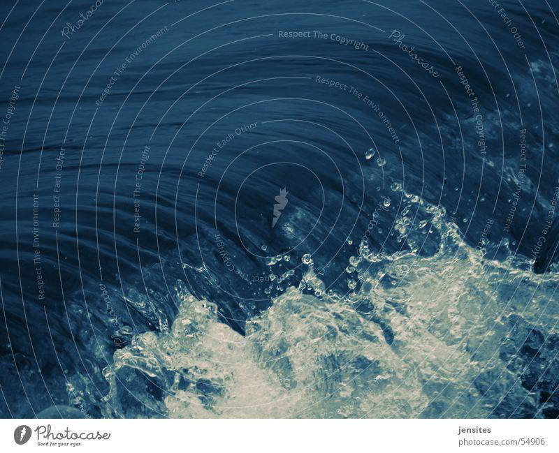 zeitstau II Natur Wasser weiß Meer blau Bewegung Wellen Dynamik spritzen Schaum Flut Kurzzeitbelichtung