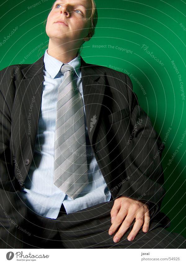 mannomann Mann Anzug Krawatte Nadelstreifen grün Herr Hemd penibel frau im anzug fein raus Kerl Business elegant Geschäftsfrau
