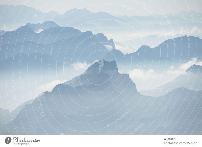 Nebelige Facetten Umwelt Natur Landschaft Schönes Wetter Alpen Berge u. Gebirge Kraft Hoffnung Sehnsucht Farbfoto Außenaufnahme Luftaufnahme Tag Kontrast