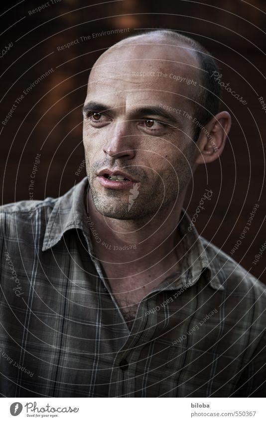 333 maskulin Mann Erwachsene Kopf 1 Mensch 30-45 Jahre sprechen Farbfoto Außenaufnahme Porträt Oberkörper Blick nach vorn