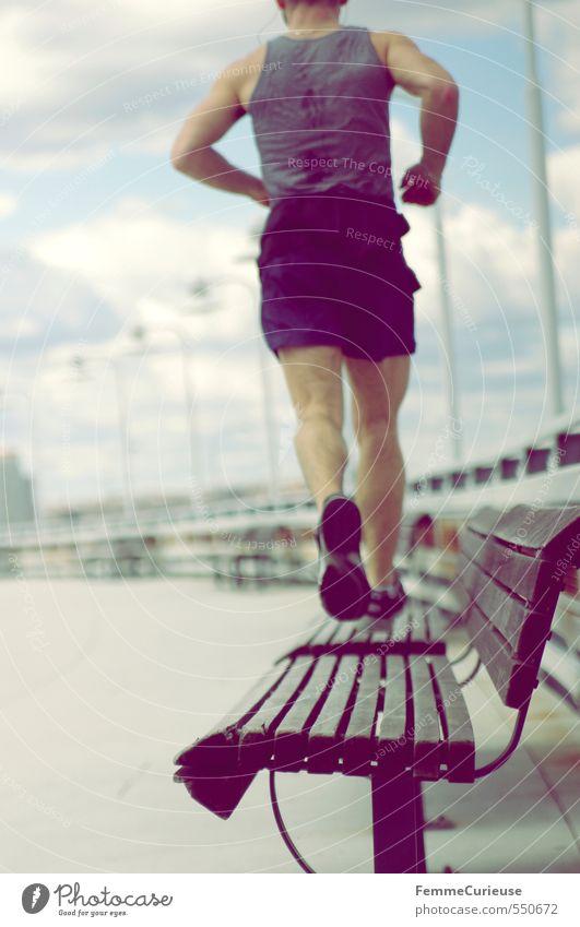 Passion for running. Mensch Sport oben Gesundheit Luft Freizeit & Hobby maskulin Lifestyle Erfolg Fitness Laufsport Bank sportlich Straßenbeleuchtung Wohlgefühl