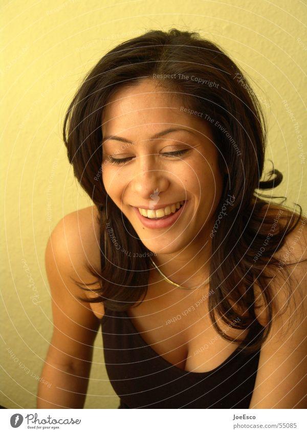 mel mochte den blitz nicht... Stil Freude schön Gesicht feminin Frau Erwachsene Leben Kopf Zähne 1 Mensch 18-30 Jahre Jugendliche Lächeln lachen Fröhlichkeit