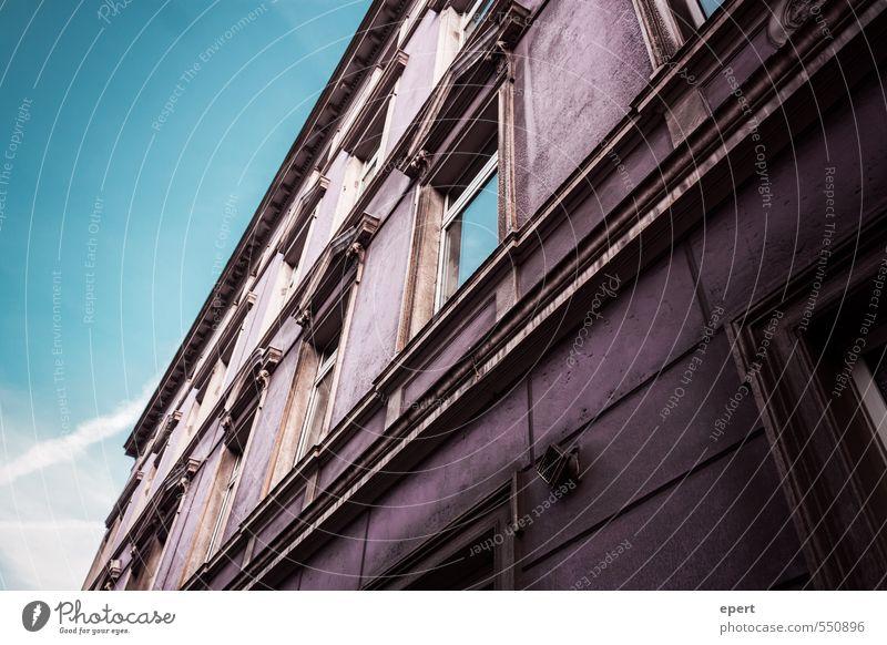 #996699 alt Stadt Farbe Haus Fenster Wand Mauer Architektur Gebäude Stil Fassade dreckig Häusliches Leben groß Perspektive ästhetisch