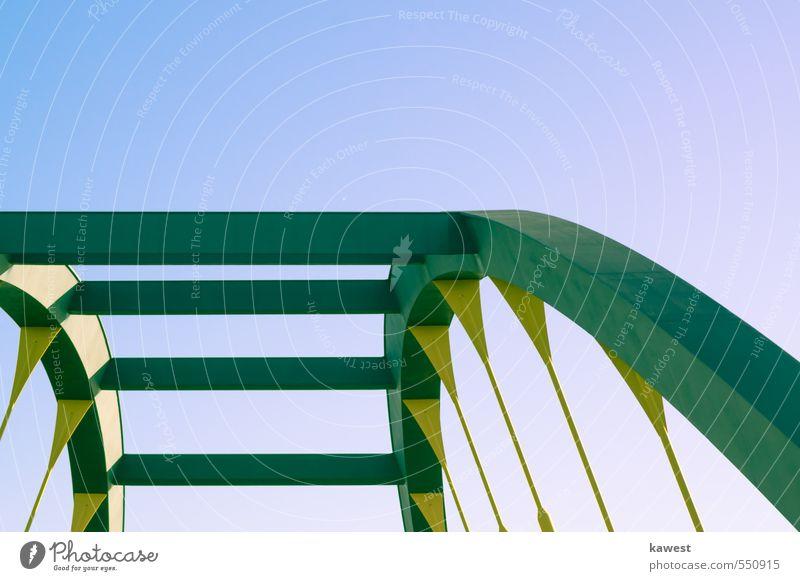 Brückenbogen Bogenbrücke Brückengeländer Verstrebung Stahlverarbeitung Stahlträger Brückenkonstruktion Stahlkonstruktion Konstruktion ingenieurswesen Spannung