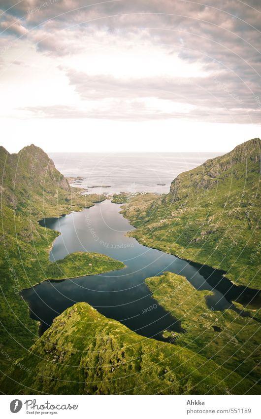 still ruht der See Sinnesorgane Ferien & Urlaub & Reisen Berge u. Gebirge wandern Natur Landschaft Wolken Gipfel Fjord Meer beobachten Denken träumen Stimmung