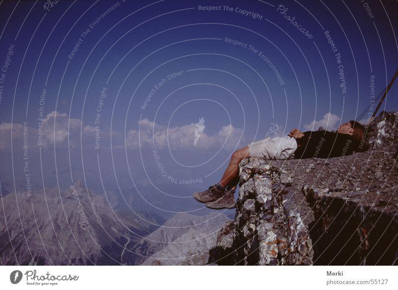 über den Wolken wandern Unendlichkeit ruhig schlafen Alpen Niveau Freiheit oben