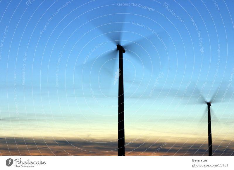 Die Kraft lebt... Himmel Wind Windkraftanlage Mühle Erneuerbare Energie