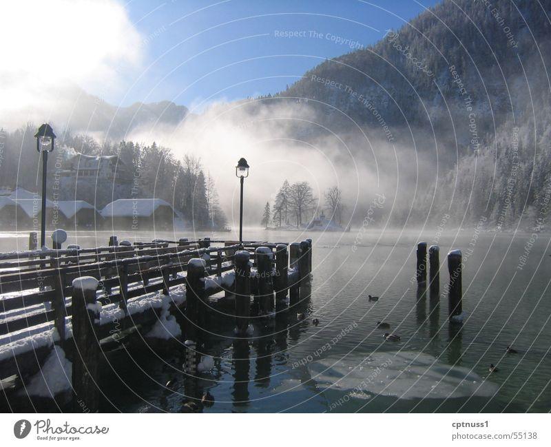 Königssee Wasser kalt Schnee Berge u. Gebirge See Eis Nebel frisch Romantik Alpen Steg Bayern Digitalfotografie