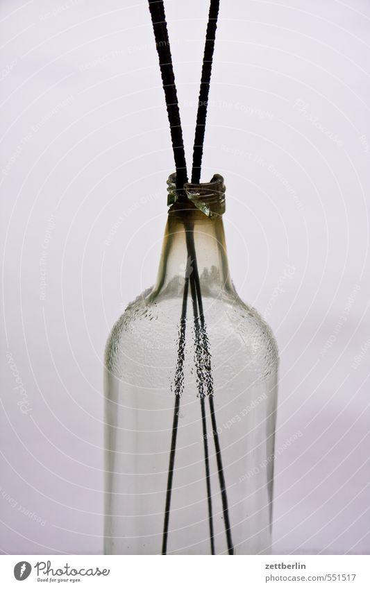 Dreitausenddreihundertdreiunddreißig (3333) Flasche gebrochen Bruch Scherbe hals Behälter u. Gefäße Wunderkerze Pyrotechnik alt Müdigkeit angebrannt