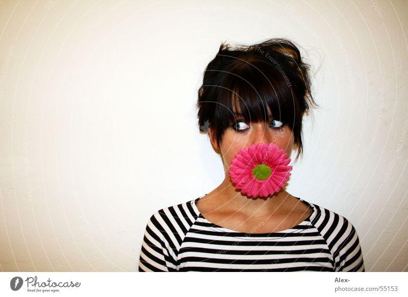 Ich ess Blumen Frau süß niedlich Vegetarische Ernährung Streifen Blüte Gesicht Pflanze Appetit & Hunger Romantik