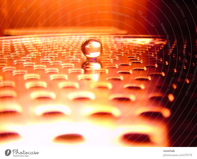 Murmel im roten Neonschein °2 rot braun orange Kugel Lichtspiel Reaktionen u. Effekte Murmel Fototechnik