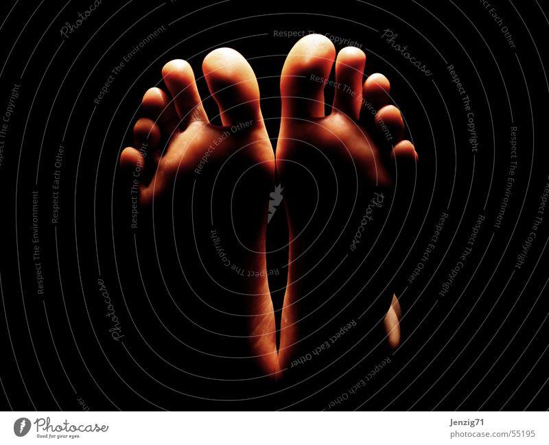 feet up. Zehen liegen hochlegen ruhen Fußsohle gehen Haxe 10 foot Erholung laufen Barfuß