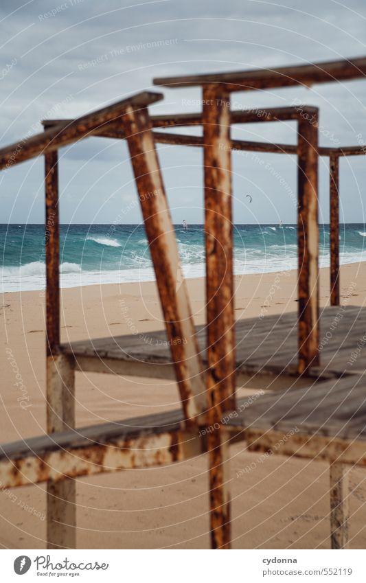 Unter Beobachtung Natur Ferien & Urlaub & Reisen Meer Einsamkeit Landschaft Strand Ferne Umwelt Bewegung Küste Freiheit Linie Sand Idylle Wellen ästhetisch