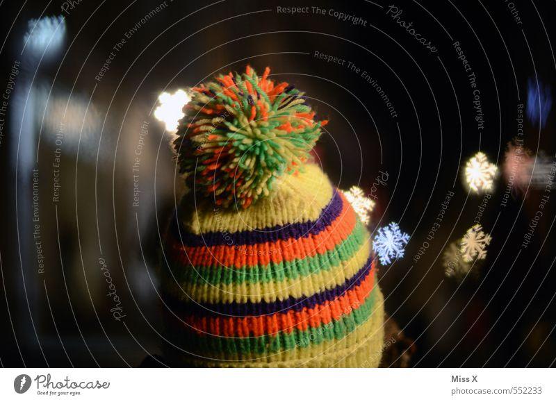 Schneemütze Mensch Kopf 1 Winter Eis Frost Schneefall Mütze leuchten kalt Wärme mehrfarbig Schneeflocke Kristallstrukturen Eiskristall Quaste Winterbekleidung
