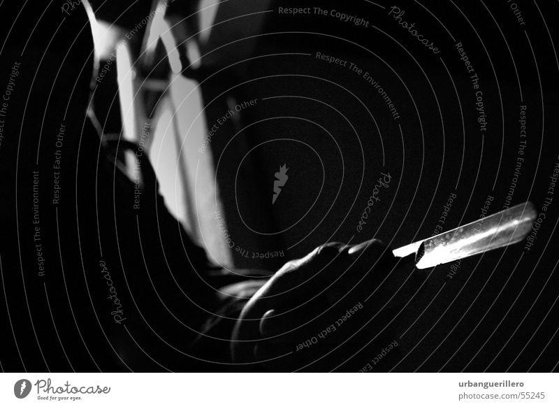 Blade Nacht Kriminalität Überfall Hinterhalt Krimineller Schattenspiel Diebstahl Gasse Hinterhof Gegenlicht Rasierklinge Speiseröhre blade night crime heisst