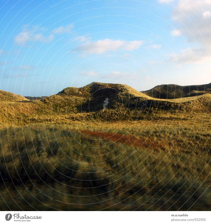 something red Lifestyle Ferien & Urlaub & Reisen Tourismus Ausflug Berge u. Gebirge Umwelt Natur Landschaft Himmel Wolken Herbst Pflanze Gras Sträucher Moos