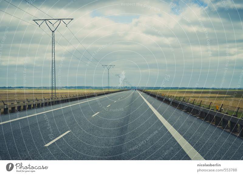 Erstes 2014 | Der lange Weg nach Hause Ferien & Urlaub & Reisen Einsamkeit Landschaft Wolken Ferne Umwelt Straße Wege & Pfade Freiheit PKW Feld Ausflug