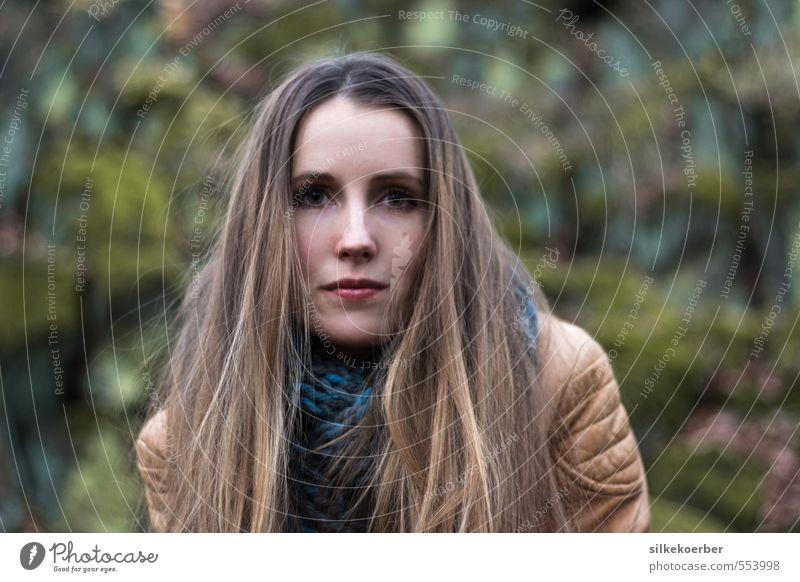 Mascha feminin Junge Frau Jugendliche Kopf Haare & Frisuren 1 Mensch 18-30 Jahre Erwachsene Natur Herbst Winter Wald Jacke Leder brünett langhaarig ästhetisch
